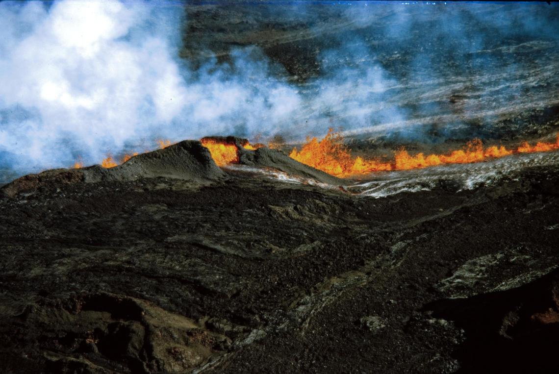 Mauna Loa 1975